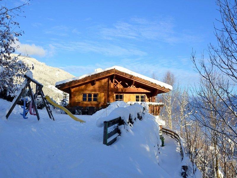 Comfort Chalet mit großer Aussensauna, holiday rental in Kaltenbach