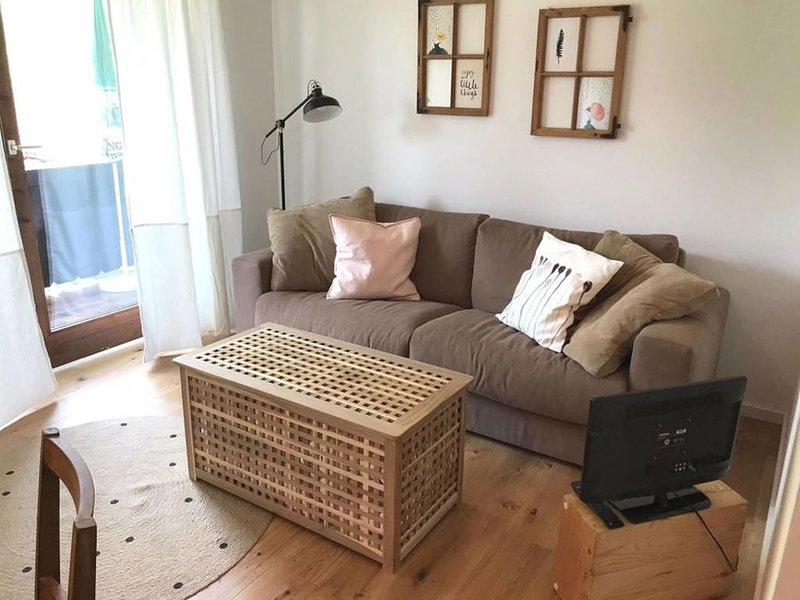 Ferienwohnung in Inzell, 50 qm, tolle Lage, mit grossem Balkon und Garten, holiday rental in Bayerisch Gmain