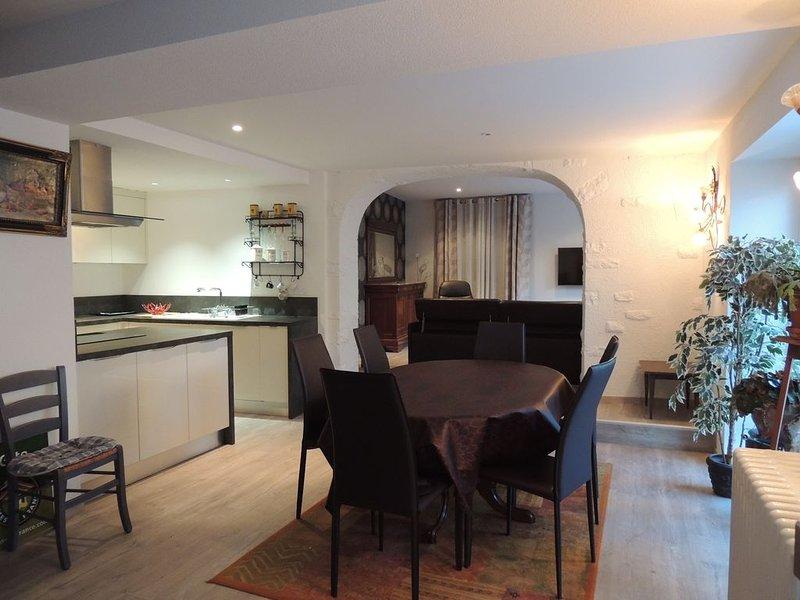 MAISON RENOVEE AU COEUR DU VILLAGE, holiday rental in Saint-Pierre