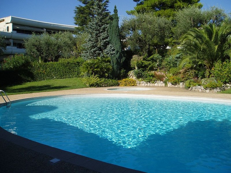 Résidence calme et familiale, Splendide Parc, Piscine, casa vacanza a Le Cannet
