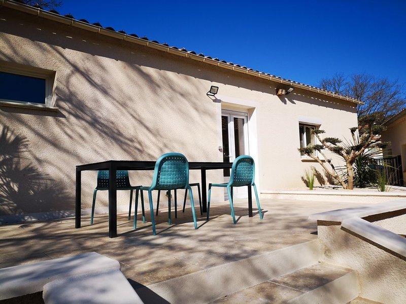 Maison indépendante dans propriété avec spa, location de vacances à Uchaux
