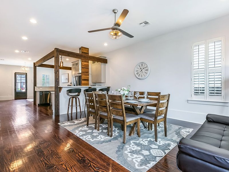 Luxury Townhouse close to FQ & City Hot Spots, vacation rental in Gretna