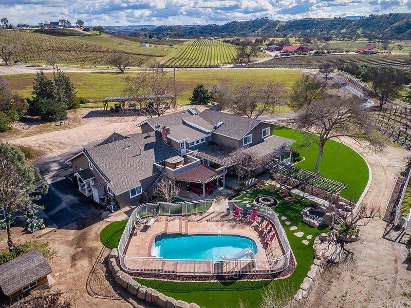 Stunning Vineyard Villa, alquiler vacacional en Shandon