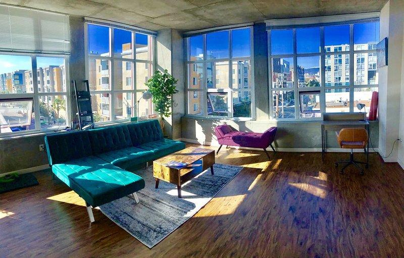 Jack London Corner Apt - 15 mins from SF, holiday rental in Emeryville