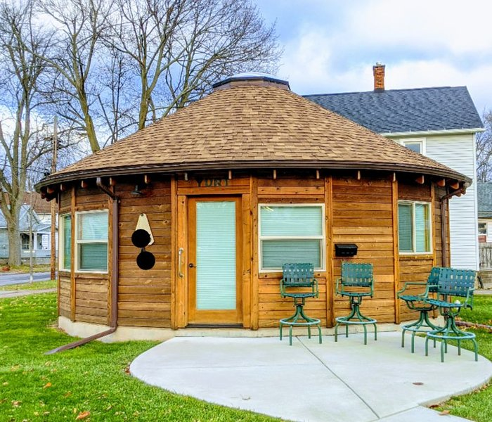 Whimsical Yurt near Niagara Falls and Buffalo, vakantiewoning in Lockport