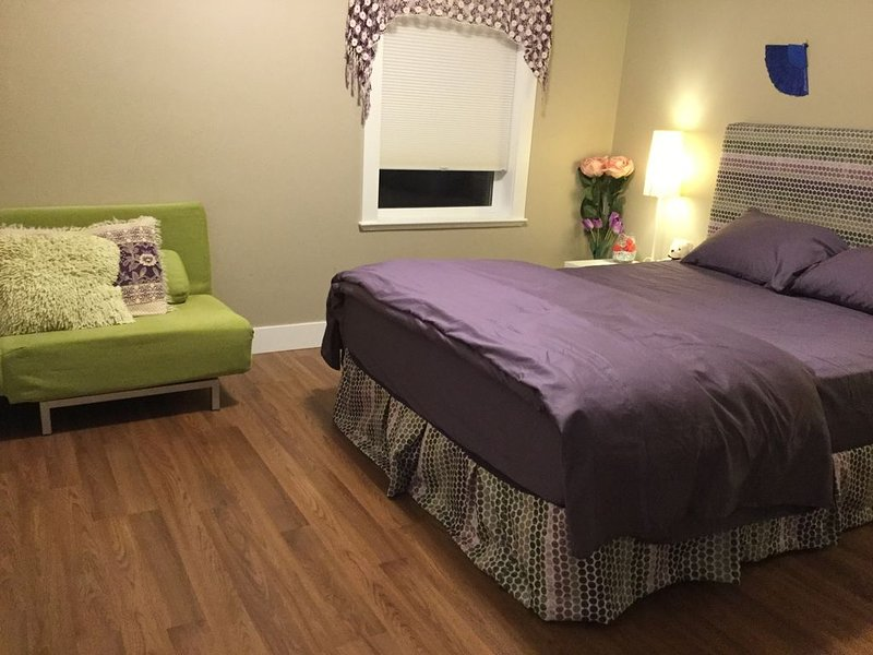 Beautiful, clean and well maintained, alquiler de vacaciones en Langley City