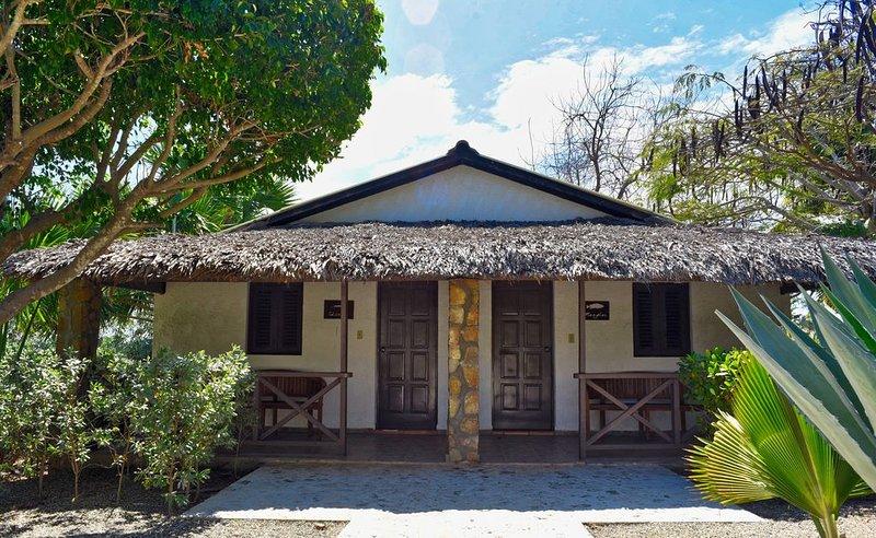 El Morro Eco Adventure Hotel w/WIFI + BREAKFAST, vacation rental in Monte Cristi