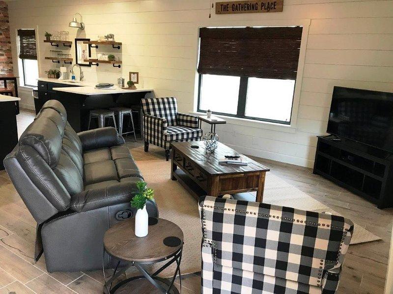 Single Unit Bungalow, 11 Trails Edge Ln, holiday rental in Bella Vista