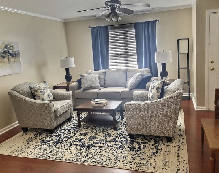 Spacious home near Lee University, historic downtown Cleveland, holiday rental in Calhoun