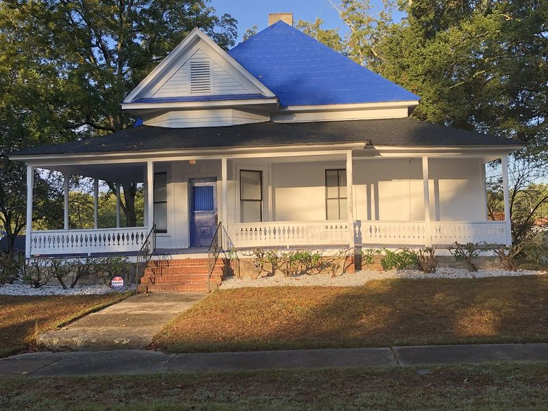 Victorian Antique Home, holiday rental in Dallas
