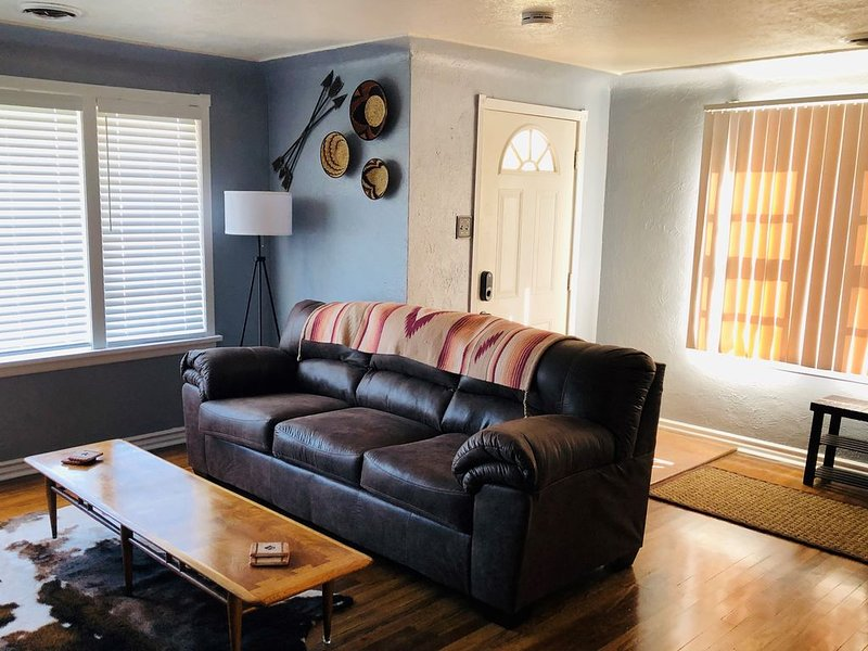 Western Slope Cozy Cottage - Home Away From Home, vacation rental in Fruitvale