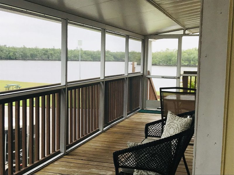 Water View Villa with use of boat ramp- discounts for extended stays, holiday rental in Everglades City