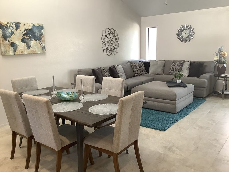 Clean & Quiet Central Tucson Retreat, holiday rental in Tucson