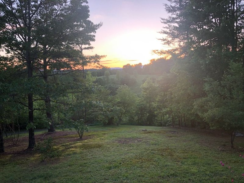 A Little Peace of Heaven Log Cabin Blue Ridge GA, alquiler de vacaciones en Mineral Bluff