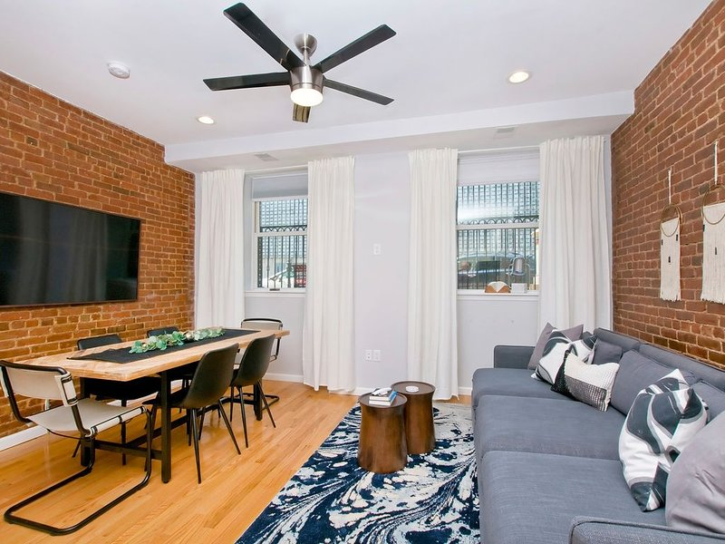 Boho-chic Three Bedroom Apartment Ten Minutes to NYC, holiday rental in Hoboken