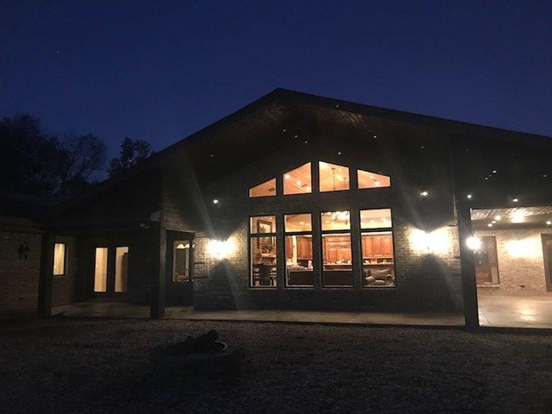 Lodge- Modern Retreat, location de vacances à Tallassee