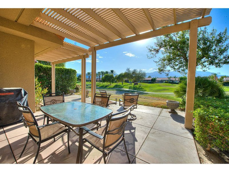 Mission Hills Country Club Golf Course and Mountain View's, holiday rental in Thousand Palms
