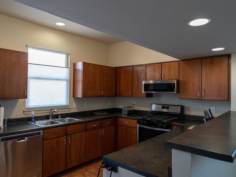ABQ Downtown Railyard Home, holiday rental in Los Lunas