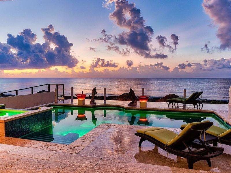 Villa Serenity Now - Brand New Super Luxury, holiday rental in Puerto Aventuras