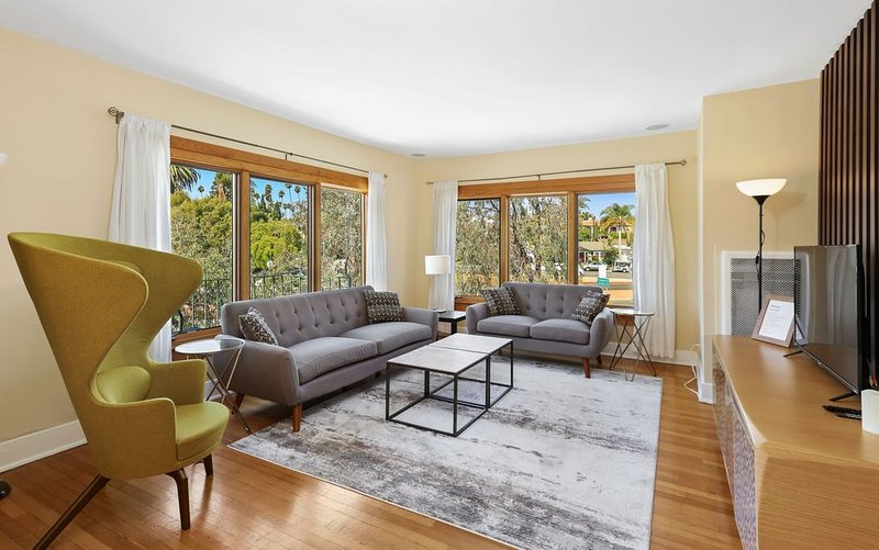 Upgraded Home in the middle of Action by Beach and Convention Center, holiday rental in Belmont Shore