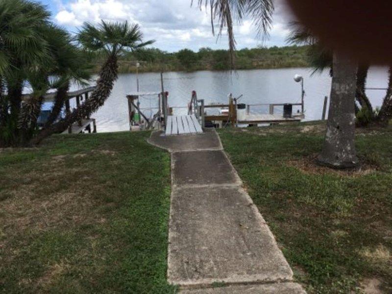South Texas Vacation Rental! Waterfront Property, location de vacances à Harlingen