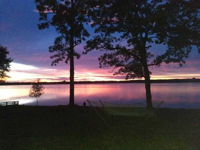 Love the Amazing Sunsets., holiday rental in Waite Park