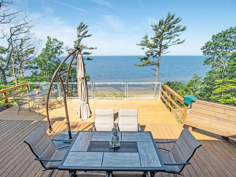 Lake Michigan Property - Amazing Views & Walk-able Beach, vacation rental in Roosevelt Park