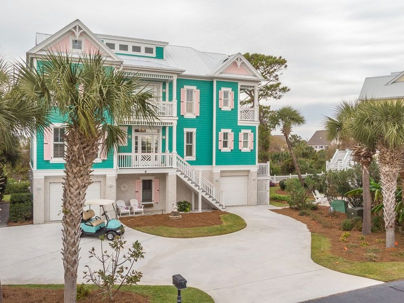 Magnificent Beach Home with stunning marsh views and golf cart, vacation rental in Harbor Island
