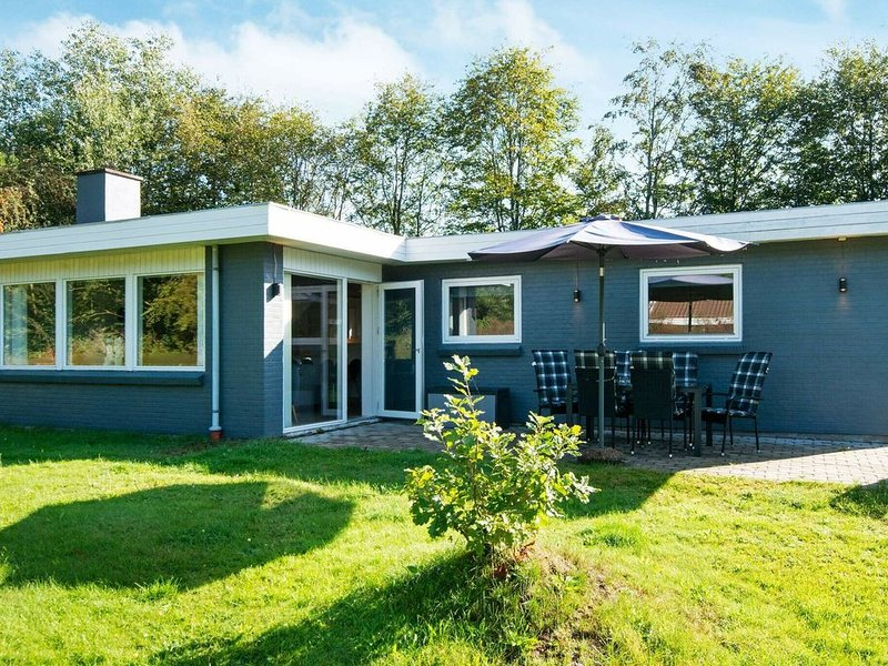 Serene Holiday Home in Jutland with Terrace, holiday rental in Bredebro