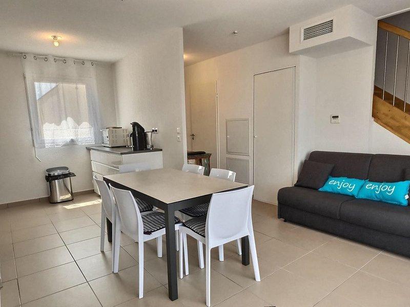 Appartement duplex pour 6 personnes dans une résidence sécurisée. Réf. 3278, holiday rental in Serignan
