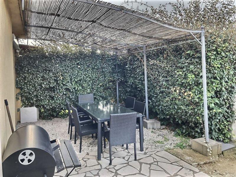 Maison de plain pied pour 6 personnes dans résidence avec piscine Réf. 2955, holiday rental in Vendres