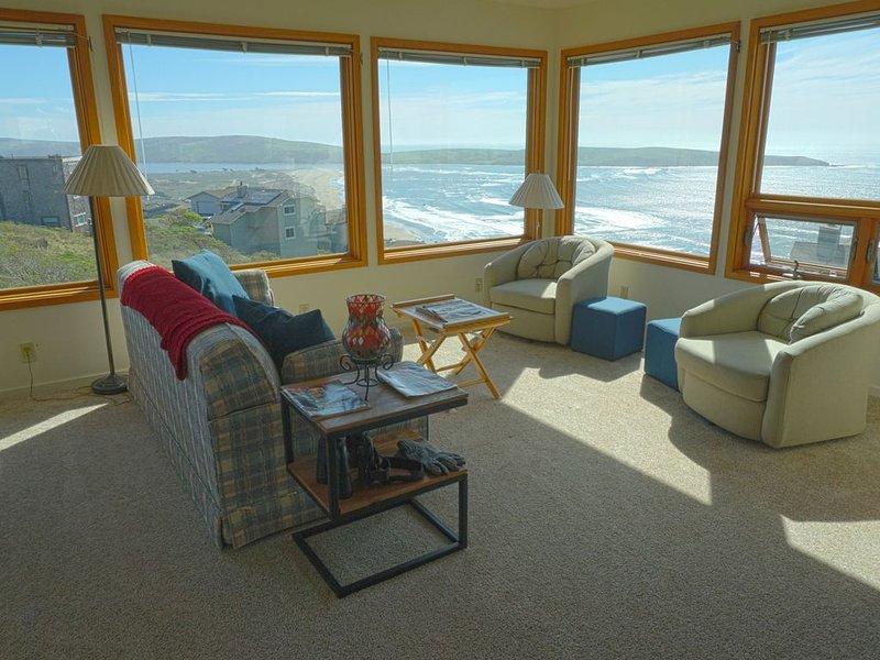New Dillon Beach  Vacation Rental - Views of the Bay and Pacific Ocean, casa vacanza a Dillon Beach