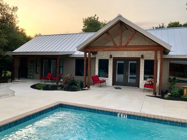 Dos Oakes * Frio Premier Rental Homes, vacation rental in Sabinal