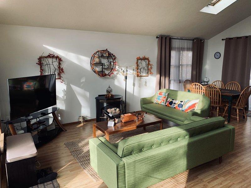 Golden Retreat in Pocono SawCreek Estates, vacation rental in Dingmans Ferry