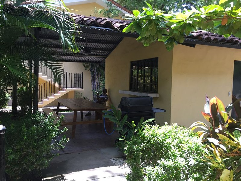 Beautiful Apartment  50 meter from beach, Guanacaste , Playas del Coco, casa vacanza a Coco
