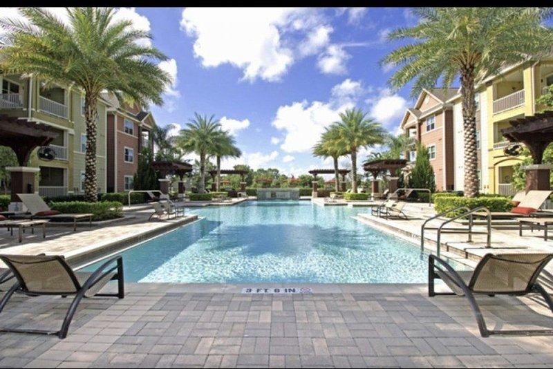 Resort Style Retreat, aluguéis de temporada em Winter Garden