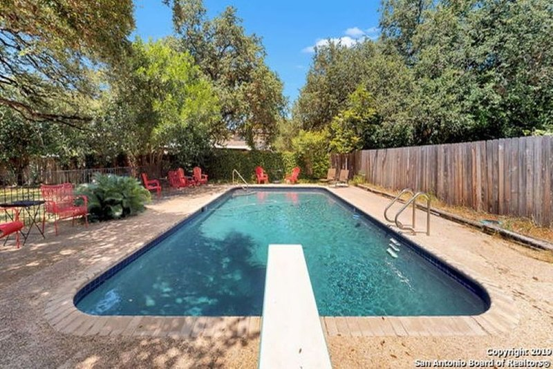 Master bedroom with private pool, holiday rental in Schertz