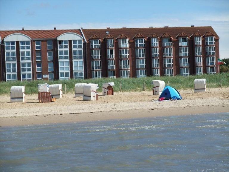 *MEERBLICK-FERIENWOHNUNG JAN* - beste STRANDLAGE von CUXHAVEN - 1. REIHE – semesterbostad i Cuxhaven