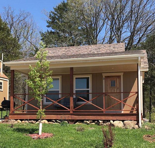 Beautiful Cabin sleeps 5, aluguéis de temporada em Dixon