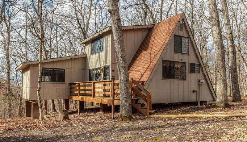 Cozy Cabin in the Woods, location de vacances à Defiance