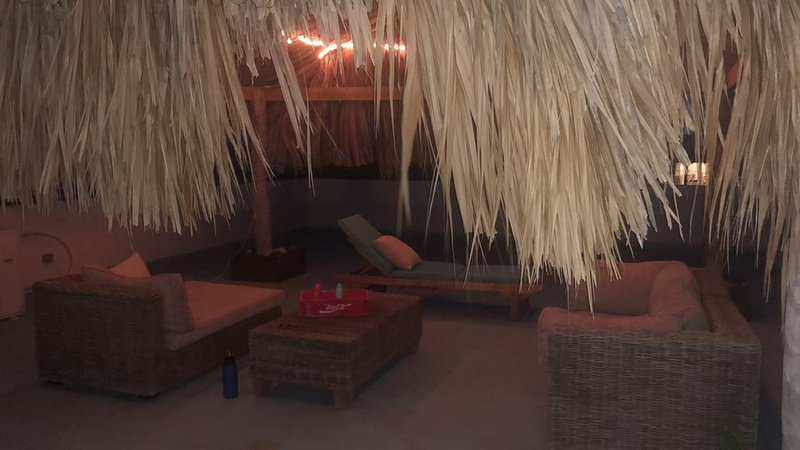 Entire Apt -  private Terrace with Ocean View ~ Weekly/Monthly Discounts, holiday rental in Belnem