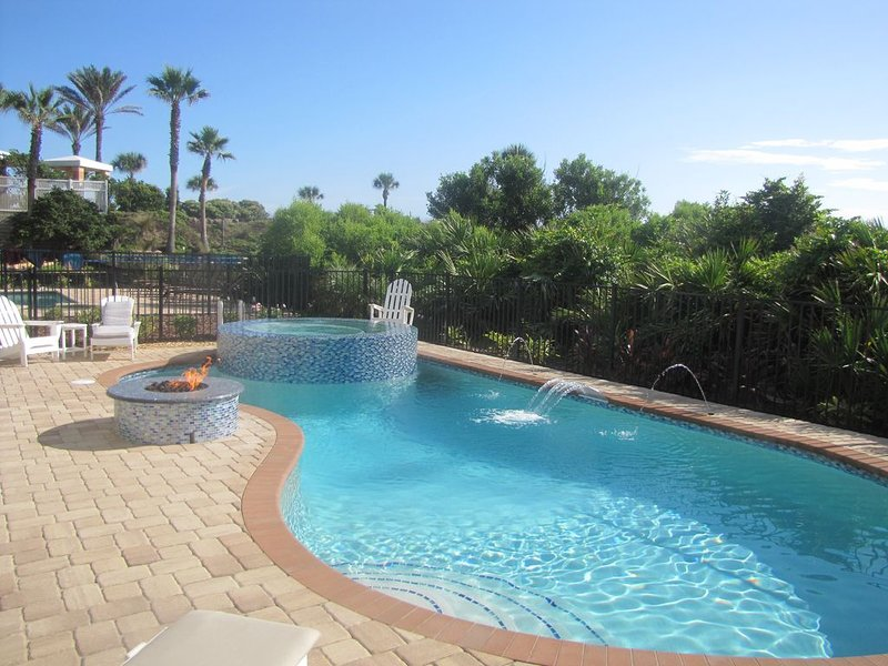 Blue Ocean Palace -Luxury Ocean Front Home! Private Pool, SPA, Firepit, holiday rental in Palm Coast