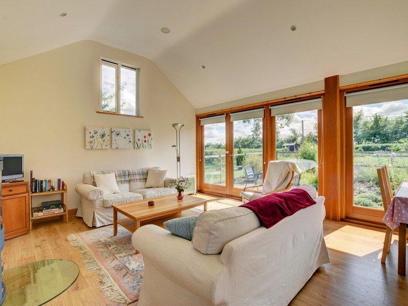 Akenfield Cottage, Letheringham, holiday rental in Easton