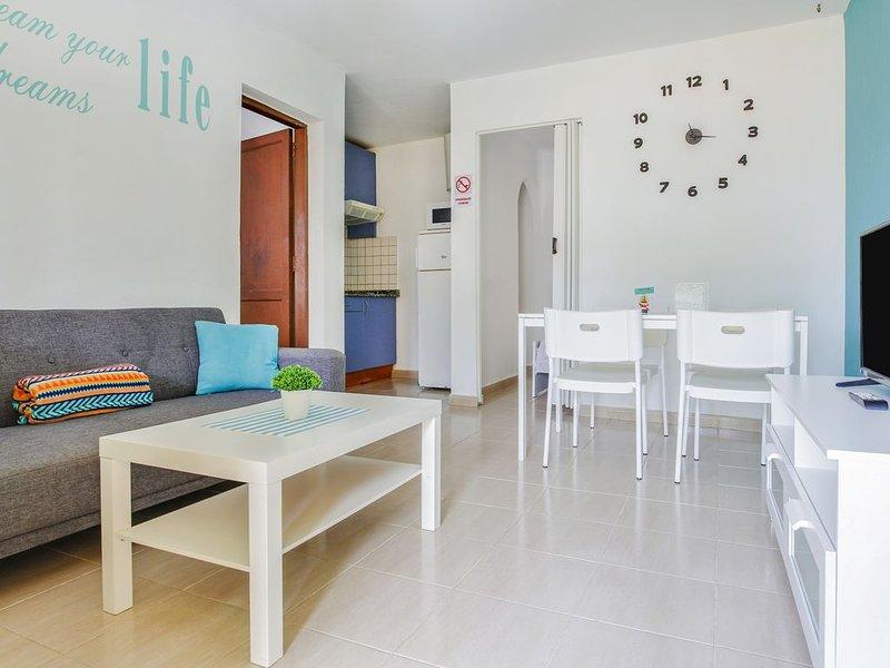 Charmanter Bungalow in Costa Calma in Strandnähe mit Terrasse und WLAN; Parkplat, holiday rental in La Pared