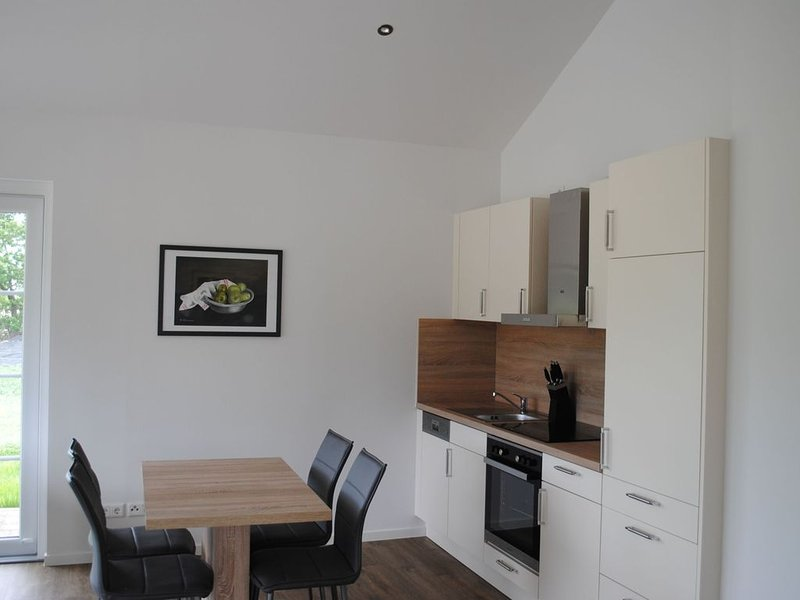 Tannengrün, 55qm, Terrasse, 1 Schlafzimmer, max. 2 Erw. und 2 Kinder – semesterbostad i Harpstedt