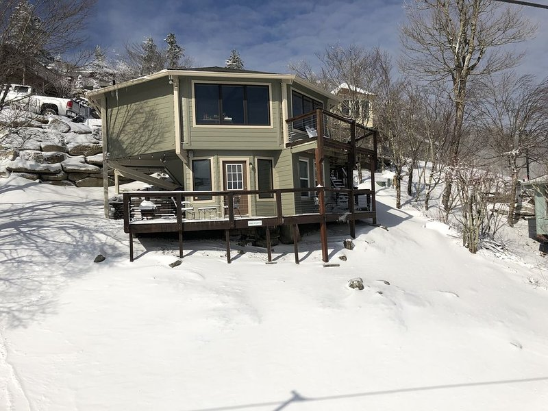 Beech Mountain Snow Skiing and Mountain Biking Chalet, holiday rental in Beech Mountain