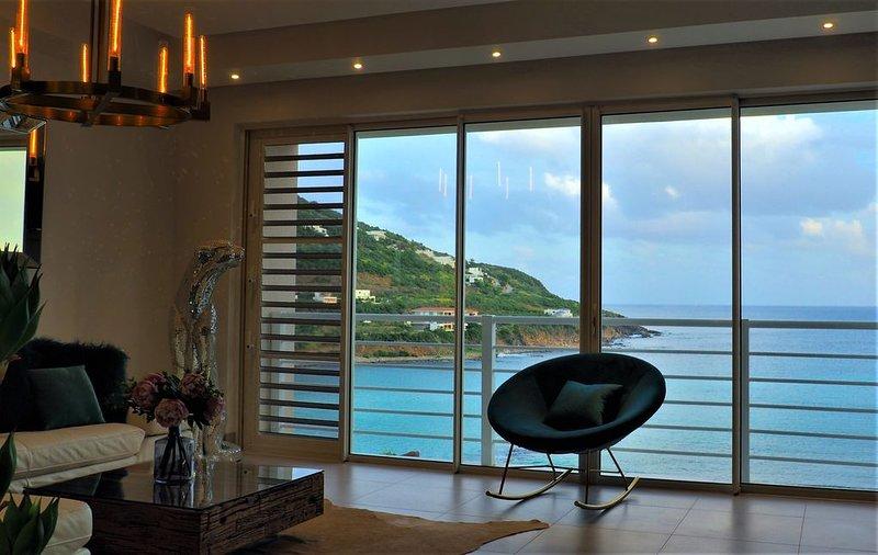 La Vue SXM - Modern Oceanfront Villa  (+ Chef Services! ), holiday rental in Cole Bay
