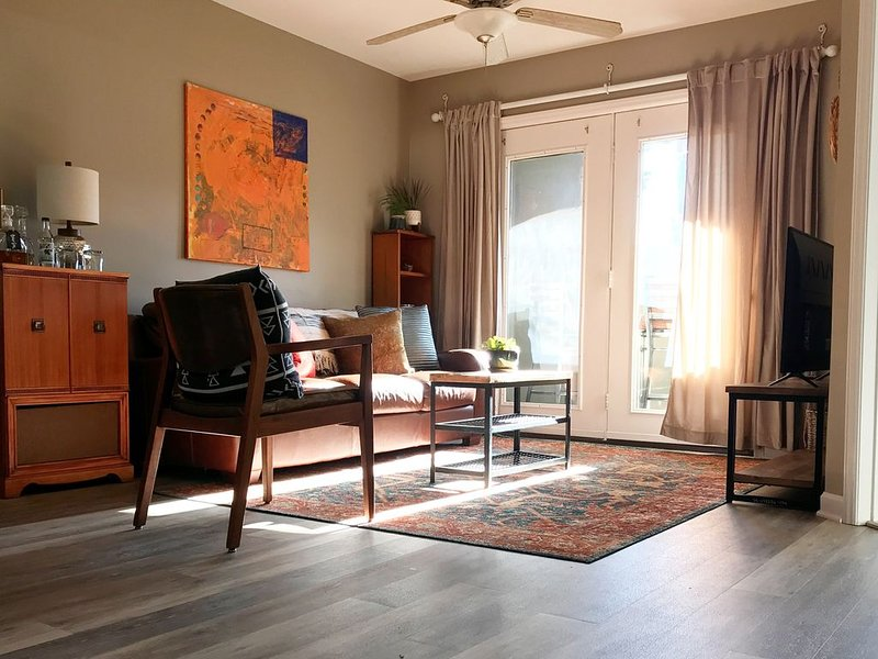 Downtown Private Flat in the heart of Downtown Boone NC, holiday rental in Boone