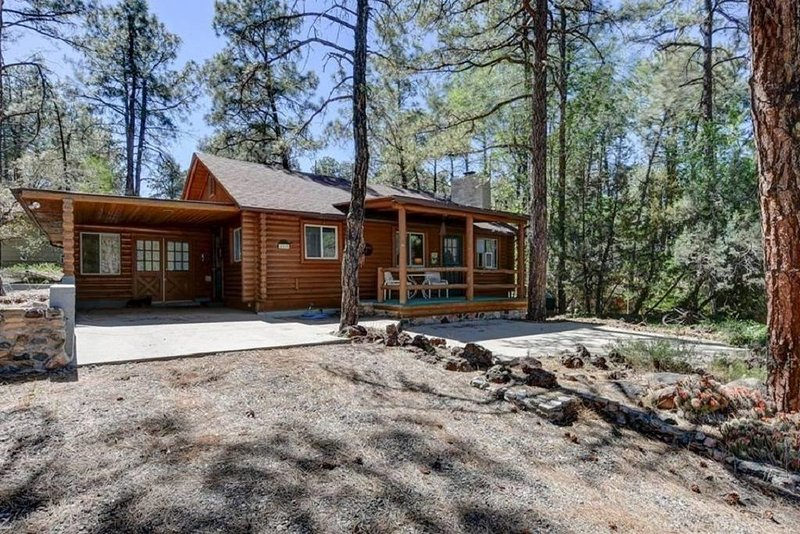 Cabin in the Pines, Prescott, AZ, casa vacanza a Skull Valley