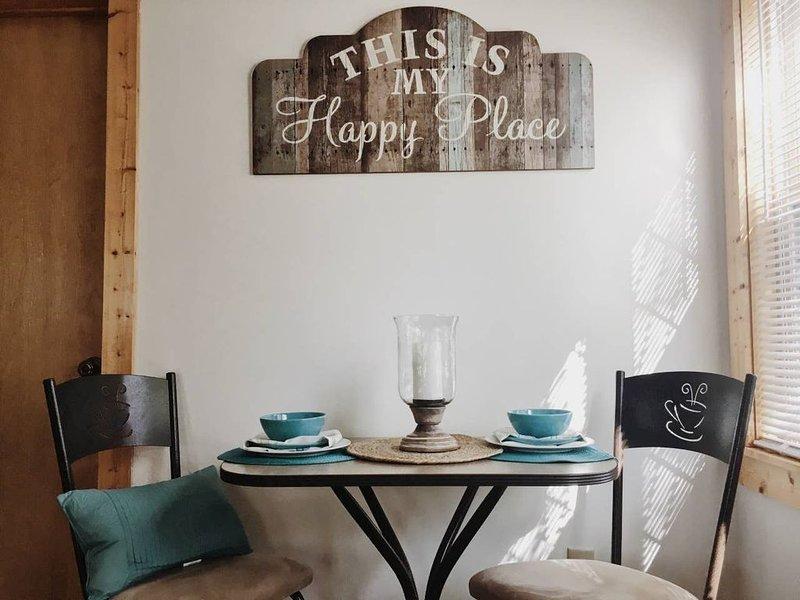 Find your Happy Place at our Country Cottage!!, location de vacances à Radford